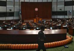 Hong Konga tepkiler büyüyor Anlaşma askıya alındı...
