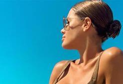 Gala Caldirolanın kızıyla birlikte havuz keyfi...