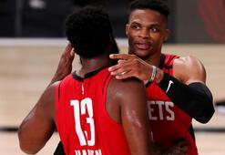 NBAde Houston Rocketsı galibiyete yıldız oyuncuları taşıdı