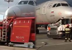 Tanker havaalanında uçakla çarpıştı, faciadan kıl payı dönüldü