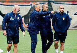 Son dakika haberler - Wesley Sneijder kramponları giydi, sahaya indi