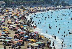 Çeşme plajları doldu taştı 1 milyon kişiyi aştı