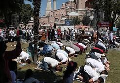 Ayasofya Camiinde ziyaretci akını
