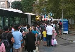 Şile dönüşü 3 katı dolan otobüsteki fazla yolcuları polis indirdi