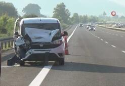 TEM otoyolunda hafif ticari araç TIRa arkadan çarptı