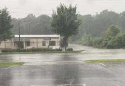 Isaias Kasırgası 140 kilometre hızla ABDyi vurdu