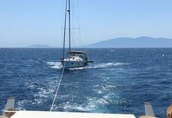 4 kişinin bulunduğu teknede korku dolu anlar