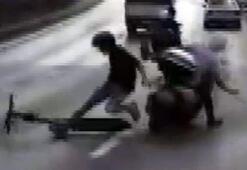 Unkapanı Köprüsünde elektrikli scooter ile motosiklet böyle çarpıştı