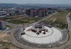 Türkiyenin ilk ay yıldızlı camisi yarın açılıyor