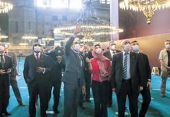 Kalın, büyükelçilerle Ayasofya'yı gezdi