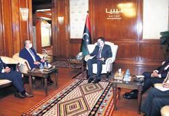 Çavuşoğlu'ndan Libya'ya sürpriz ziyaret: Hafter her an saldırabilir