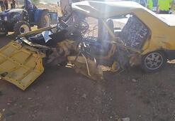 İki otomobil kafa kafaya çarpıştı: Çok sayıda yaralı var