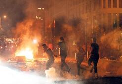 Lübnan'da isyan büyüyor