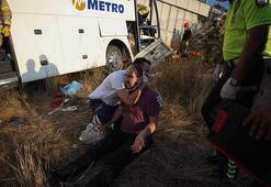 Son dakika İstanbulda yolcu otobüsü kaza yaptı.
