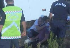 Yaralı kızıyla yardım bekleyen babayı sağlık çalışanı teselli etti