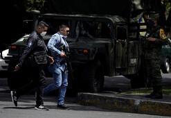 Meksikada yol kenarına atılmış cesetler bulundu