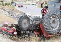 Burdurda traktör şarampole devrildi