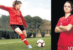 Futbolcu Melike'den Şendil'e tepki: Açıklama cahilce gülüyorum