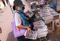 Hong Kongda medya patronu tutuklandı, halk gazete bayilerine koştu