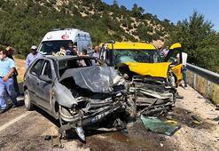 Antalyada taksi ile otomobil çarpıştı: 9 yaralı