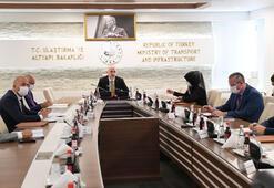 Bakan Karaismailoğlu, İranlı mevkidaşı Eslami ile görüştü