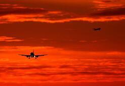 35 yıl önce düşen uçakla ilgili kodlama hatasından, ölenlerin yakınlarından özür diledi