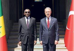Akar ve komutanlar  Azerbaycan'a gitti