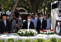 Beşiktaşın Onursal Başkanı Süleyman Seba mezarı başında anıldı
