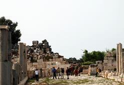 Antalyanın Kaş ilçesindeki Patara Antik Kentine, temmuz ayında rekor ziyaretçi geldi.