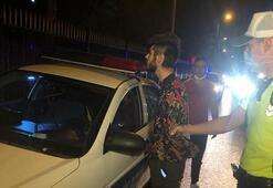 Sahte gazeteci yolu trafiğe kapattı, polise zor anlar yaşattı
