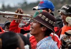 Madagaskarda kan donduran festival Famadihana