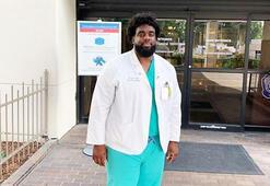 Güvenlik görevlisi olarak çalıştığı hastaneye tıp öğrencisi olarak döndü