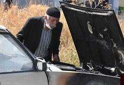 Sivasta çalıştırmak isterken alev alan otomobil yandı
