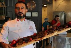 Adanalı kebap ustalarından yeni 'Korona Kebap'
