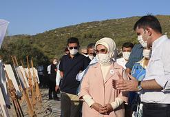 Emine Erdoğan ve Bakan Kurum kaplumbağaları denize uğurladı