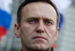 Rus muhalif lider Navalny yoğun bakıma kaldırıldı
