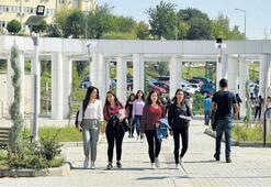 Üniversite adayları heyecanla sonuçları bekliyor