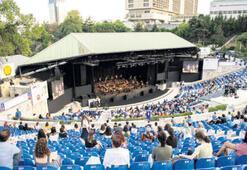 İstanbul Müzik Festivali mesafeli konserle başladı