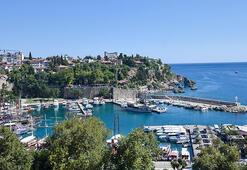 Antalyada günübirlik tur teknelerinde korona denetimi