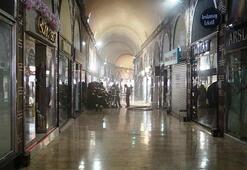 Bursada tarihi çarşıda yangın Esnafı kısa süreli panik yaşadı