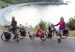 Elmalı ailesi, 5 yaşındaki kızlarıyla 5 bin kilometre pedal  çevirecek