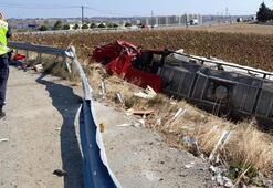Son dakika... Silivride feci kaza Tanker ayçiçek tarlasına devrildi