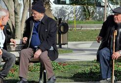 Simavda 65 yaş ve üzerine pazar yeri ile ulaşım kısıtlaması