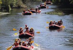 Milli tekvandocular Düzcede rafting yaparak stres attı