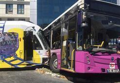 Son dakika:Tophanede tramvay dönüş yapan halk otobüsüne çarptı