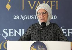 Emine Erdoğan, yazar Şule Yüksel Şenlerin vefatının 1. yılı anma programında konuştu