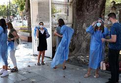 Ayasofya Camiine girişlerde kıyafet düzenlemesi getirildi
