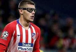 Beşiktaş'ın yeni transferi Monteronun gözlüğü dikkat çekti