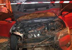 2 otomobil alev alev yandı Kundaklama şüphesi