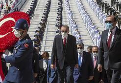 Son dakika Devlet erkanı Anıtkabirde 30 Ağustos Zafer Bayramı kutlamaları başladı